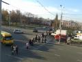В Сумах в центре города рабочие перекрыли дорогу (+ фото и видео)